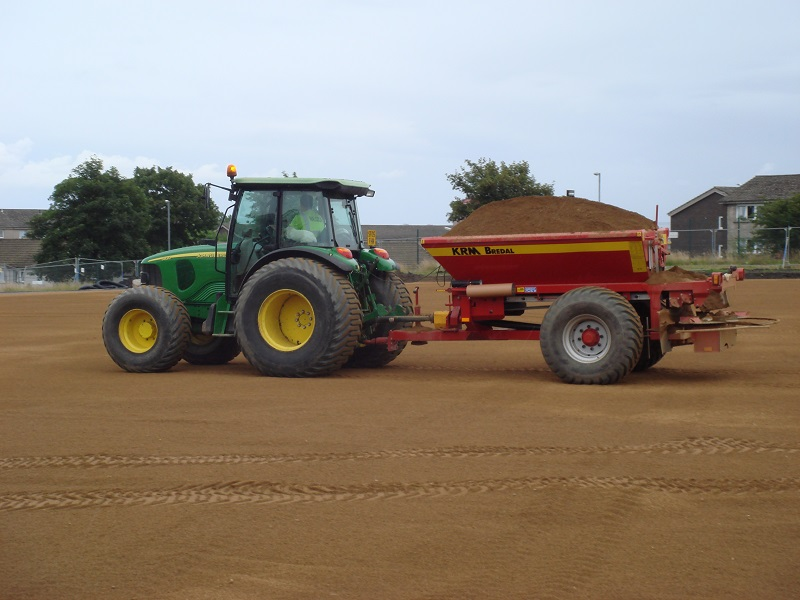 Sand Spreaders For Tractors : John deere and sand spreader turf machinery for sale